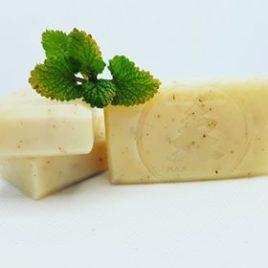Přírodní mýdlo Meduňka a makový olej